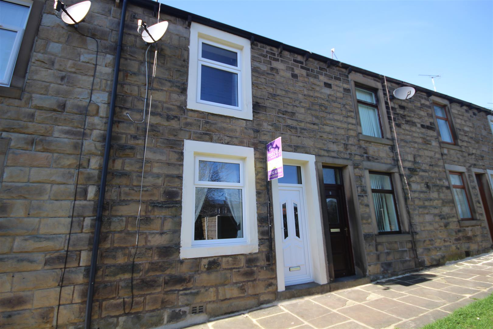 2 bedroom mid terrace house Let Agreed in Earby - Property photograph